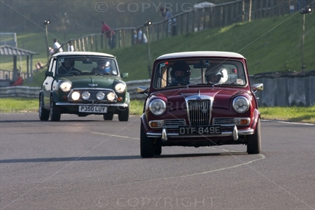 Mini at Castle Coombe 03